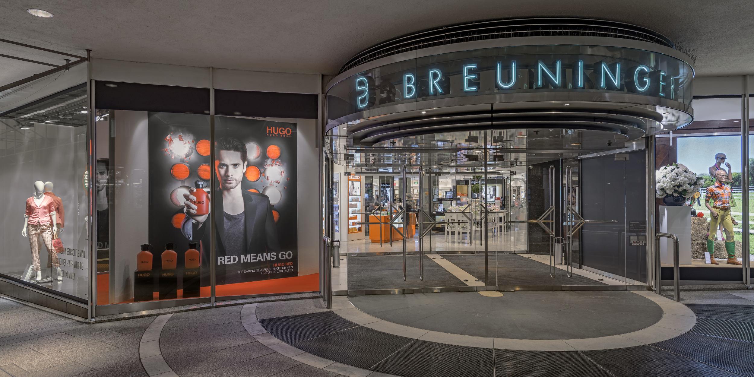 Architekturfotografie Stuttgart und Umgebung HUGO Promotion Breuninger Stuttgart Schaufenster Innenarchitektur richtige Zeit richtiger Ort