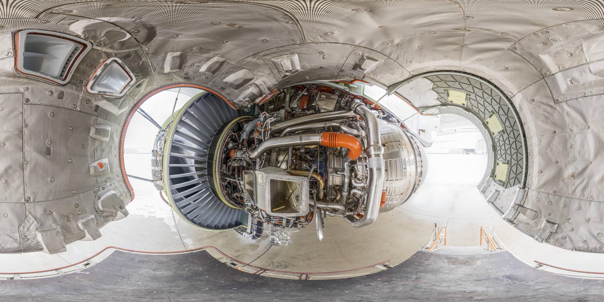 Panoramafotografie Virtuelle Touren 360Grad Fotografie Stuttgart und Umgebung Panorama 360°x180° Sphäre Flughafen Frankfurt Lufthansa Technik Boing 777 geöffnetes Triebwerk