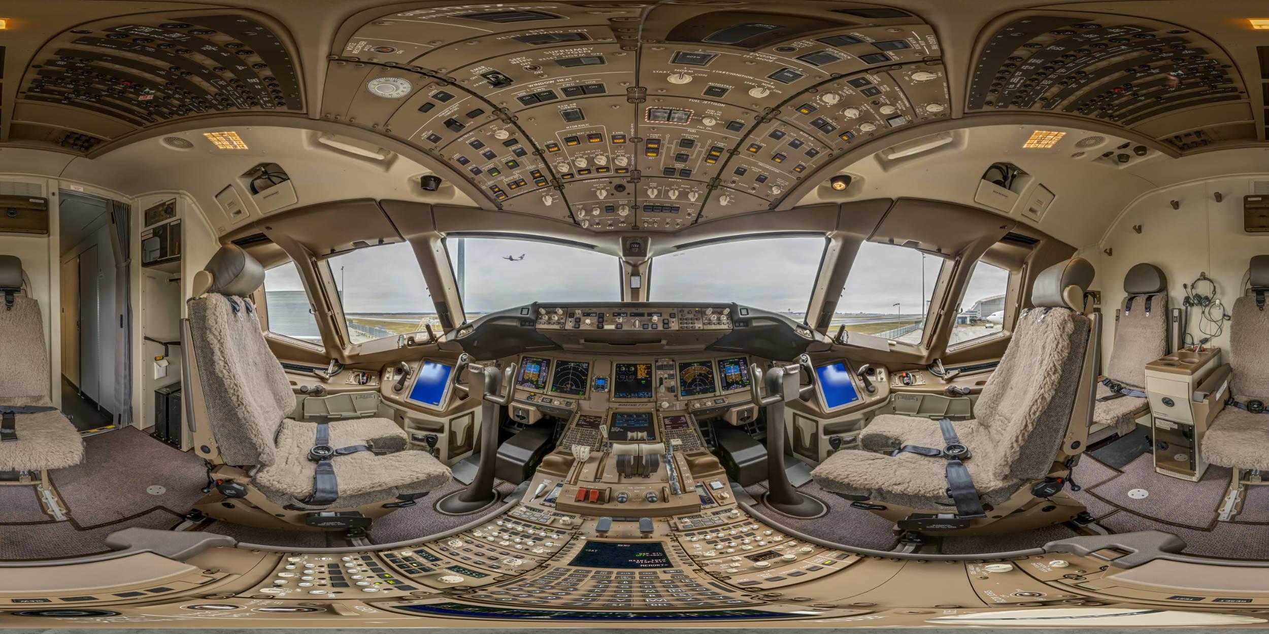 Panoramafotografie Virtuelle Touren 360Grad Fotografie Stuttgart und Umgebung Panorama 360°x180° Sphäre Flughafen Frankfurt Lufthansa Technik Boing 777 Cockpit