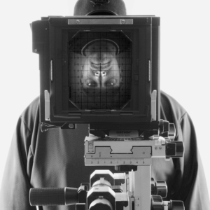 Portrait Jens Maria Oswald Oswald-Fotodesign Sinar Kamera Fachkamera Schwarz Weiss