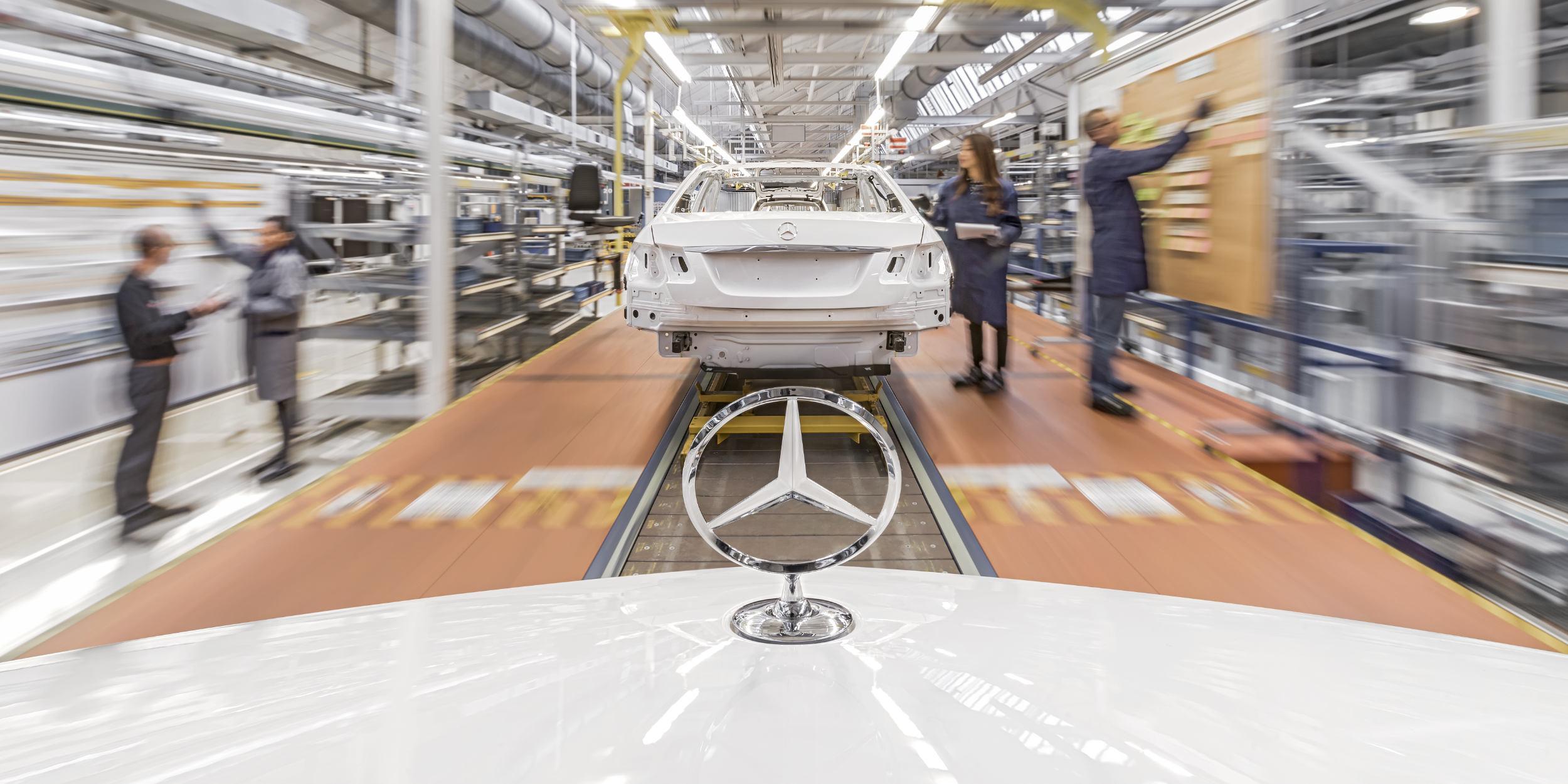 Industriefotografie Stuttgart und Umgebung Mercedes Benz Keyvisual Sindelfingen Teststrecke Dynamik Mercedes Stern