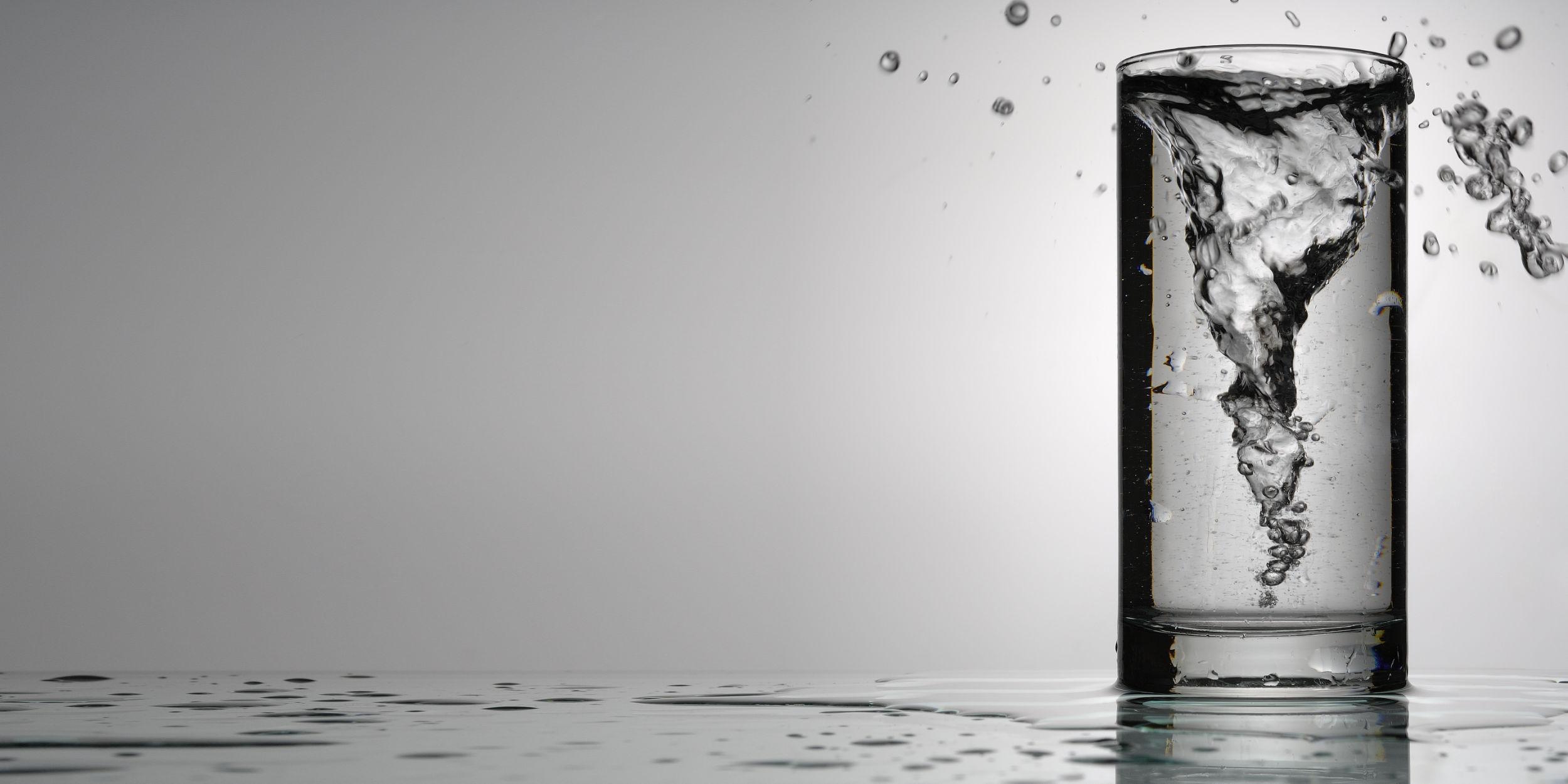Produktfotografie Stuttgart und Umgebung Sturm im Wasserglas Schorndorf Imagefotografie