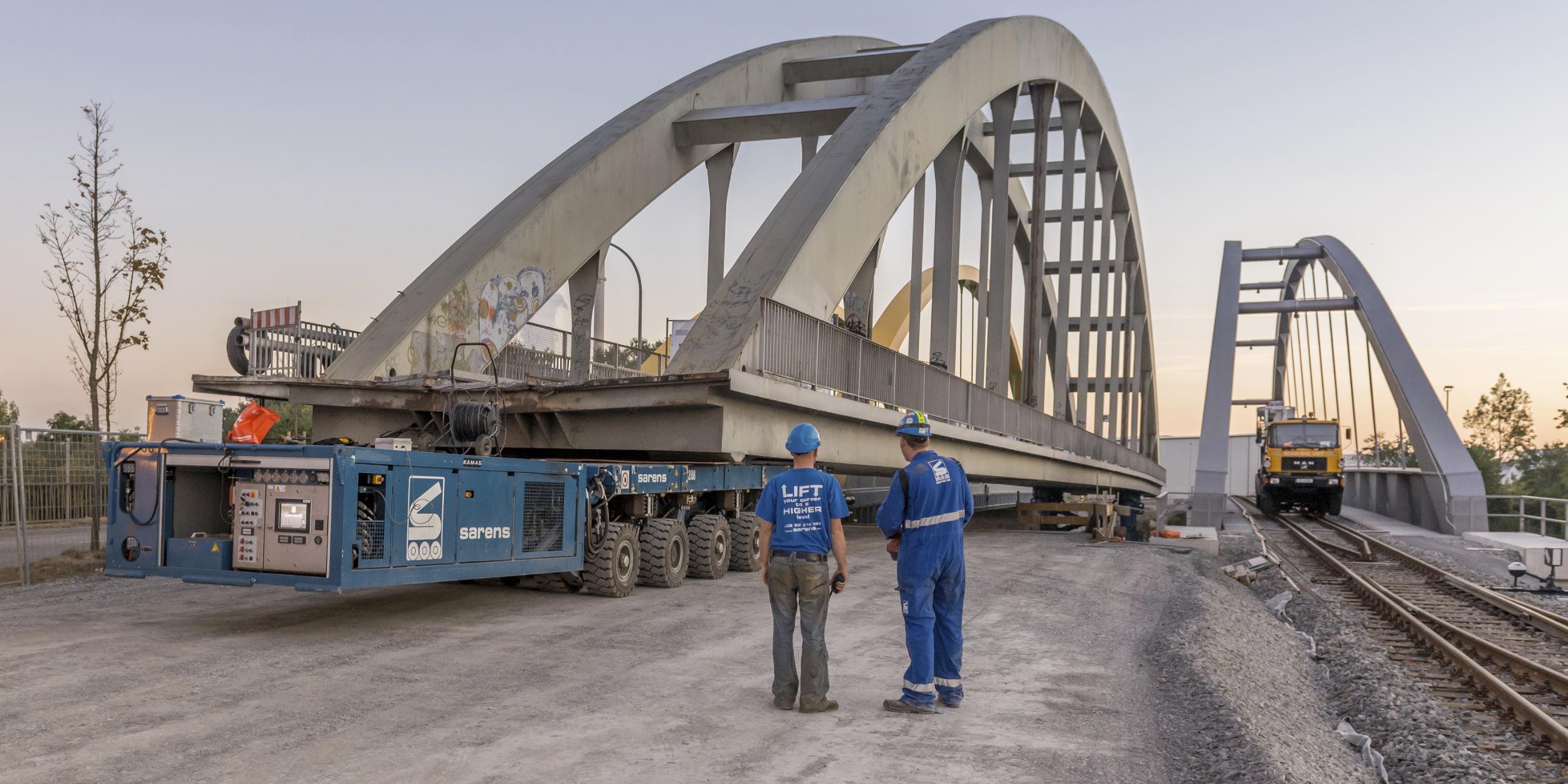 Industriefotografie Stuttgart und Umgebung Wolff & Müller Neckartalbrücke Heilbronn Brücke austauschen ausschwimmen Reparaturarbeiten Wartungsarbeiten Reportage Baubegleitung