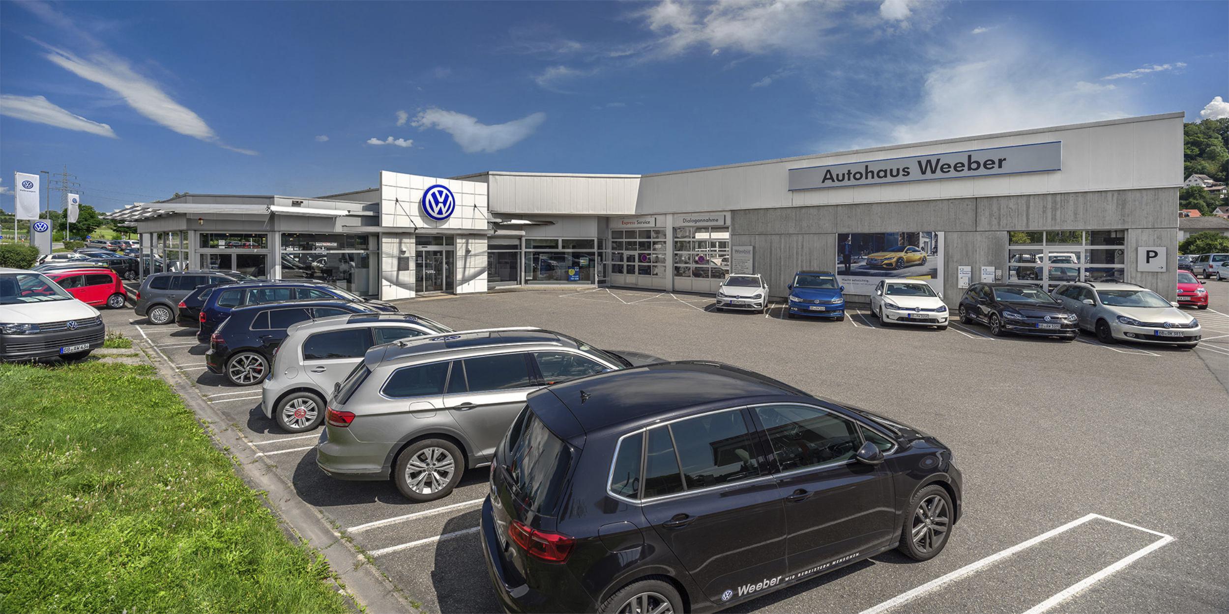 Architekturfotografie Stuttgart und Umgebung Autohaus Weeber Herrenberg Werkstatt Verkaufsgebäude Bürogebäude Produktionsgebäude Firmenwagen richtige Zeit richtiger Ort