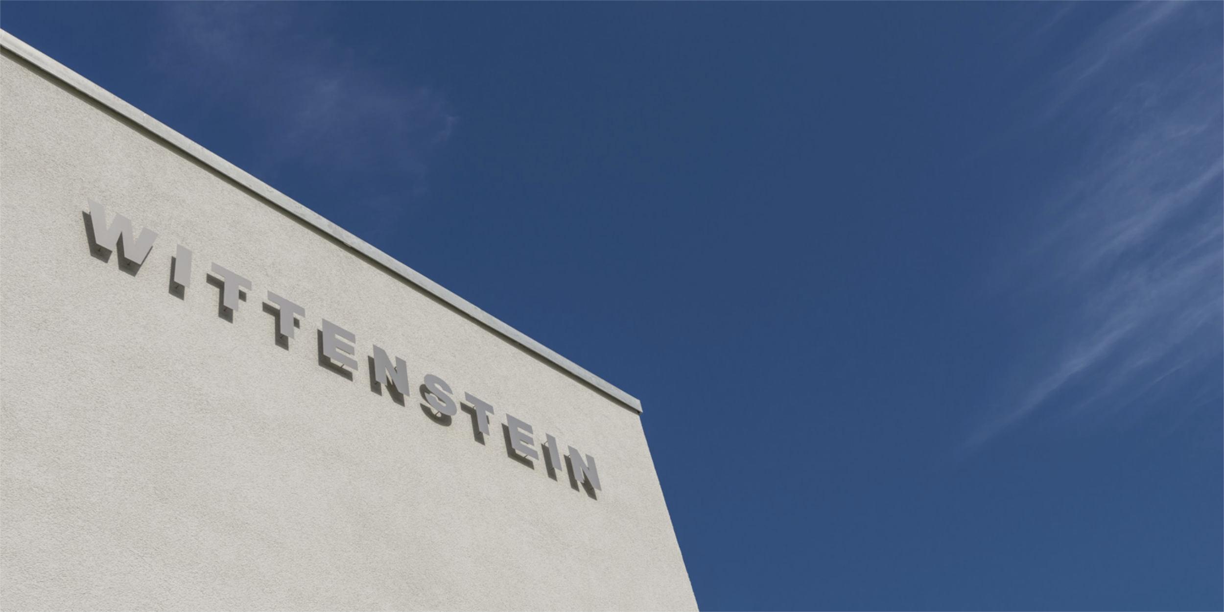 Architekturfotografie Stuttgart und Umgebung Neubau Wittenstein Fellbach Bürogebäude Produktionsgebäude Firmenwagen richtige Zeit richtiger Ort